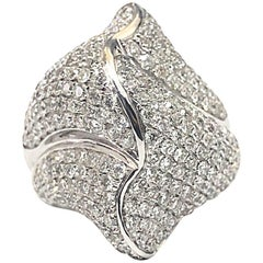 Large Shell Diamond Ring 5.20 Carat 18 Carat White Gold