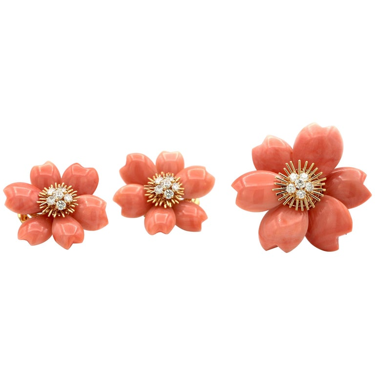 Van Cleef & Arpels Rose De Noël Coral Diamond Gold Earring Brooch Set