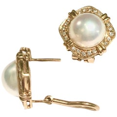 Mabe Pearl and Diamonds 18 Karat Yellow Gold Earrings