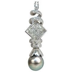 Natural Tahitian Pearl and 1.10 Carat Diamonds Pendant and Necklace 14 Karat