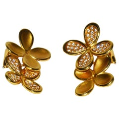 Gorgeous Angela Cummings Gold and Diamond Flower Ear Clips
