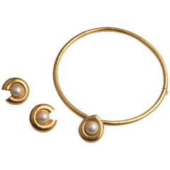 Zolotas 22k Yellow Gold and Mabé Cultured Pearl Torque Earrings and Necklace Set