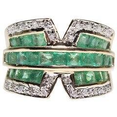 Estate 18 Karat Yellow Gold Diamond Emerald Ring