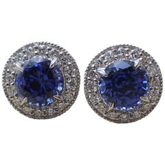 18 Karat Gold Earrings 2.42 Carat of Chatham Sapphire and 0.38 Carat of Diamond