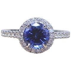 18 Karat Gold Ring with 1.85 Carat Chatham Sapphire and 0.43 Carat of Diamond