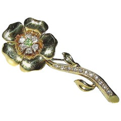 .90 Carat Diamonds Flower Pendant Brooch 18 Karat
