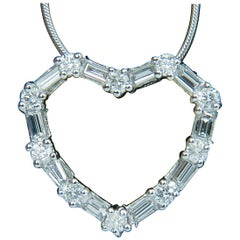 1.10 Carat Diamonds Heart Pendant 14 Karat G Vs