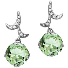 Fei Liu 18 Karat White Gold Curl Earrings With Smal Round Green Amethyst Drop