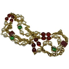 Chanel 1980s Red Green Gripoix Poured Glass Faux Pearl Necklace