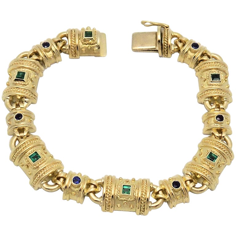 Emerald, Sapphire and Yellow Gold Bracelet For Sale