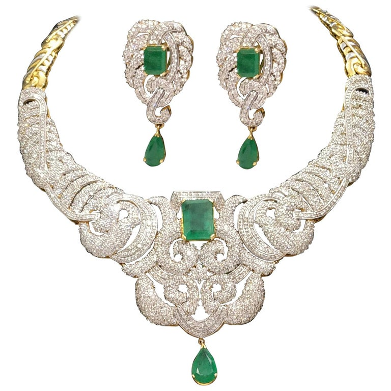 42 Carat Diamonds And 25 Emerald Necklace Earrings Set For