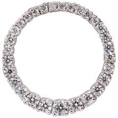 1.07 Carat Diamonds Graduated Circle Diamond Pendant 14 Karat G/Vs