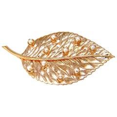 Leaf Pin 14 Karat Still Life 3D Golden