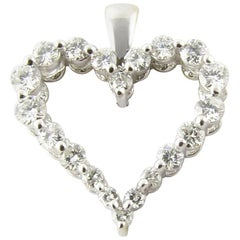 18 Karat White Gold Diamond Heart Pendant