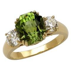 Peridot, Diamond and 18 Karat Yellow Gold Diamond Engagement Ring, 4.95 Carat