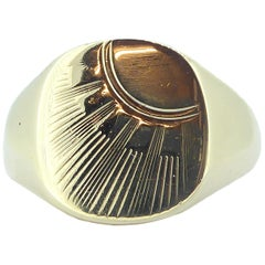 Gents Gold Signet Ring, 1980s Vintage, Sun Burst Pattern, Yellow Gold