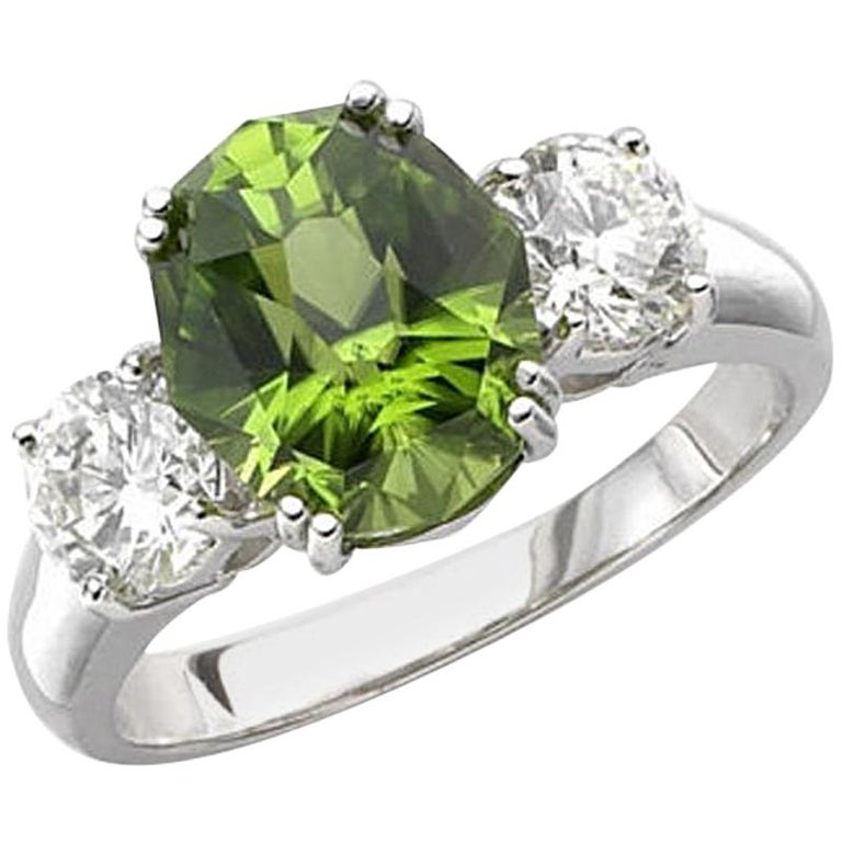 Peridot Engagement Ring Set With Diamonds In 18 Karat Yellow Gold
