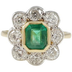 Contemporary 18 Karat Gold 0.67cts Emerald & 1.44cts Diamond Cluster Ring