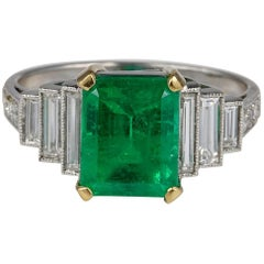 Art Deco 2.60 Carat Colombian Emerald 1.70 Carat Diamond Platinum Ring