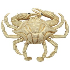 1960s Figural Crab Brooch with Textured Gold and Sapphire Eyes