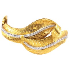 Diamond Leaf Motif 18 Karat Yellow Gold Bracelet