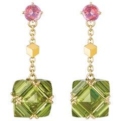 18 Karat Yellow Gold Peridot and Pink Sapphire Very PC Earrings, Petite