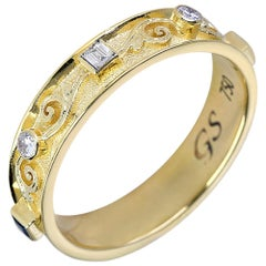 Georgios Collections 18 Karat Yellow Gold Band Unisex Ring with White Diamonds