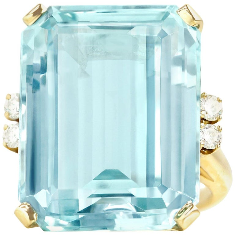 33 Carat Aquamarine and Diamond Set Gold Ring