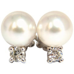 Natural Pearls .28 Carat Diamonds Earrings 14 Karat G/Vs