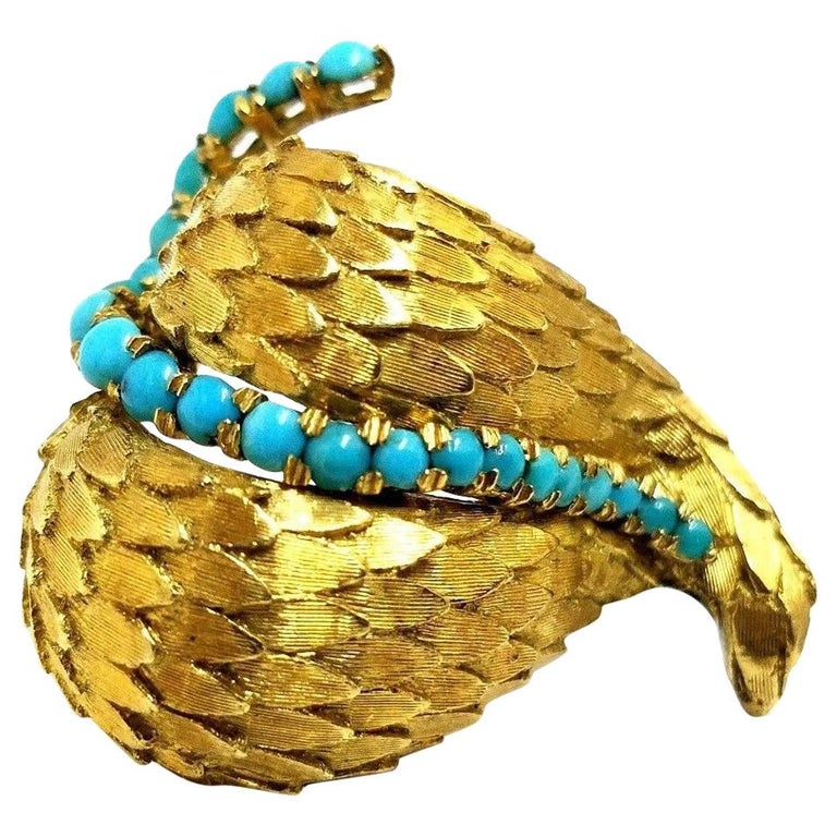 18 Karat Vintage Stacking Petals Natural Turquoise Brooch Pin