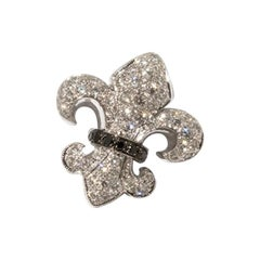 Pendant in the Shape of a French Bourbon Lily, 750 White Gold