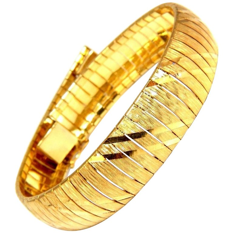 14 Karat Gold Satin Stripe Shine Flexible Bracelet