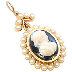 Solid 14 Karat Yellow Gold Antique Onyx and Pearl Cameo Pendant 5.8g