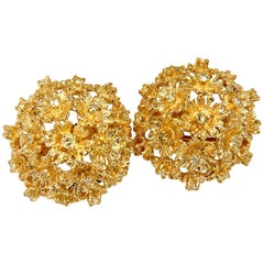 1.50ct Natural Fancy Yellow Diamonds Floral Dome Cluster Clip Earrings 14kt