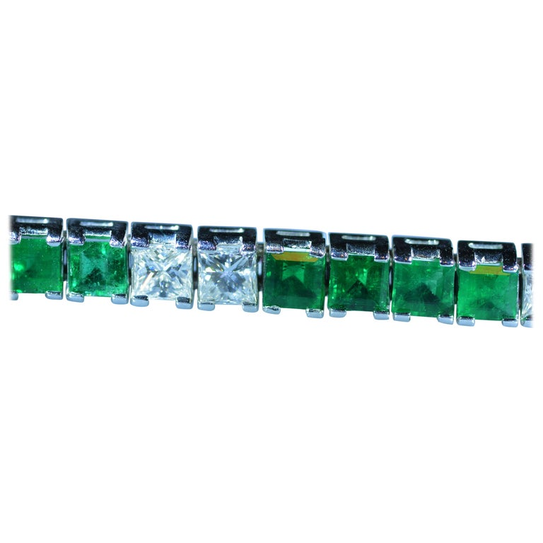 Incredible Line Bracelet Set with Vivid Green Emeralds and Diamonds in Platinum
