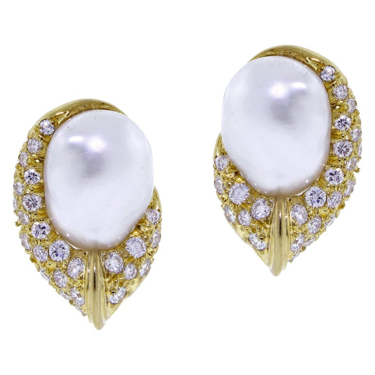 Henry Dunay Baroque Pearl and Diamond Earring For Sale