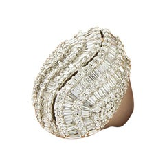 18 Karat White Gold 4.86 Carat Round and Baguette Diamonds Dome Cocktail Ring