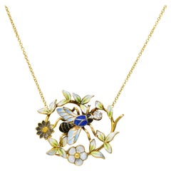 Enchanting Art Nouveau Diamond Enamel 14 Karat Gold Bee Necklace