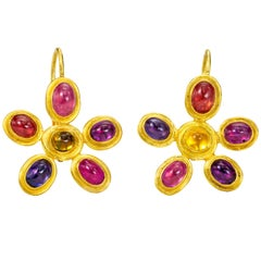 Sapphire 22 and 18 Karat Gold Earrings Multi-Color Daisy Pattern