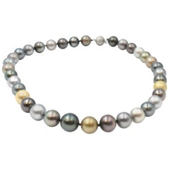 Multicolored Pearl Necklace with 14 Karat White Gold Clasp