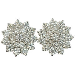 1.32 Carat Diamond 18 Carat Gold Ladies Cluster Earrings