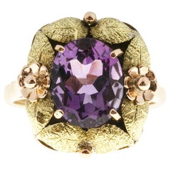 3.20 Carat Oval Amethyst Victorian Textured Flower Gold Ring