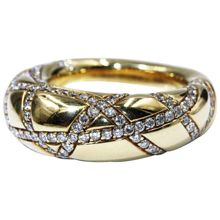 Chaumet 18 Karat Yellow Gold Diamond Ring
