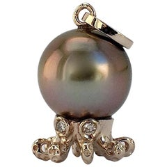 Octopus Diamond White 18 Karat Gold Tahitian Pearl Pendant or Necklace