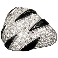 "White Gold Cartier Ring ""Claws"" Collection, Onyx and Diamonds"