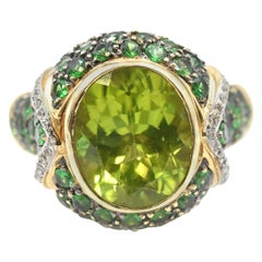 4.40 Carat Peridot and Diamond 14 Karat Yellow Gold Ring