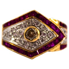 Renaissance Style 0.60 Carat White Diamond 1.53 Carat Ruby Yellow Gold Ring