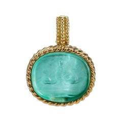 18 Karat Yellow Gold Light Blue Pendant