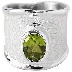 Yianni Creations 1.35 Carat Peridot Fine Silver and Palladium Ring