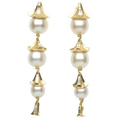 Annabel Eley Baguette Diamond Akoya Pearl 18 Karat Yellow Gold Dangle Earrings